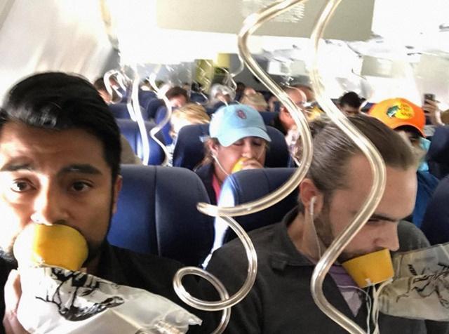 Pasajeros con la mascarilla mal puesta en un vuelo de Southwest