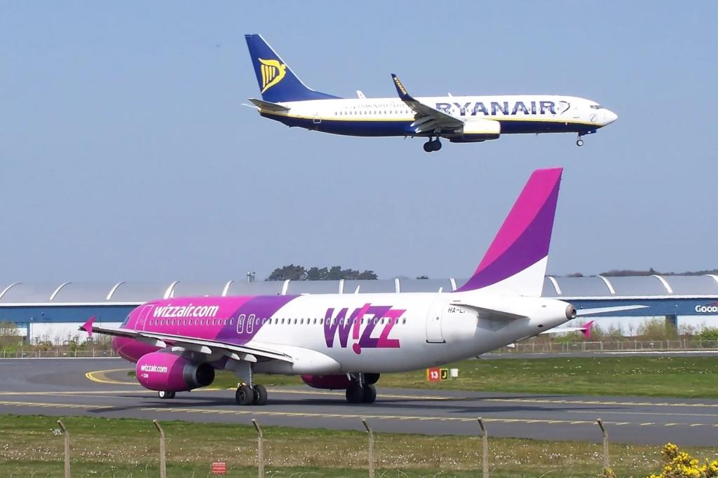 Ryanair y Wizzair aviones