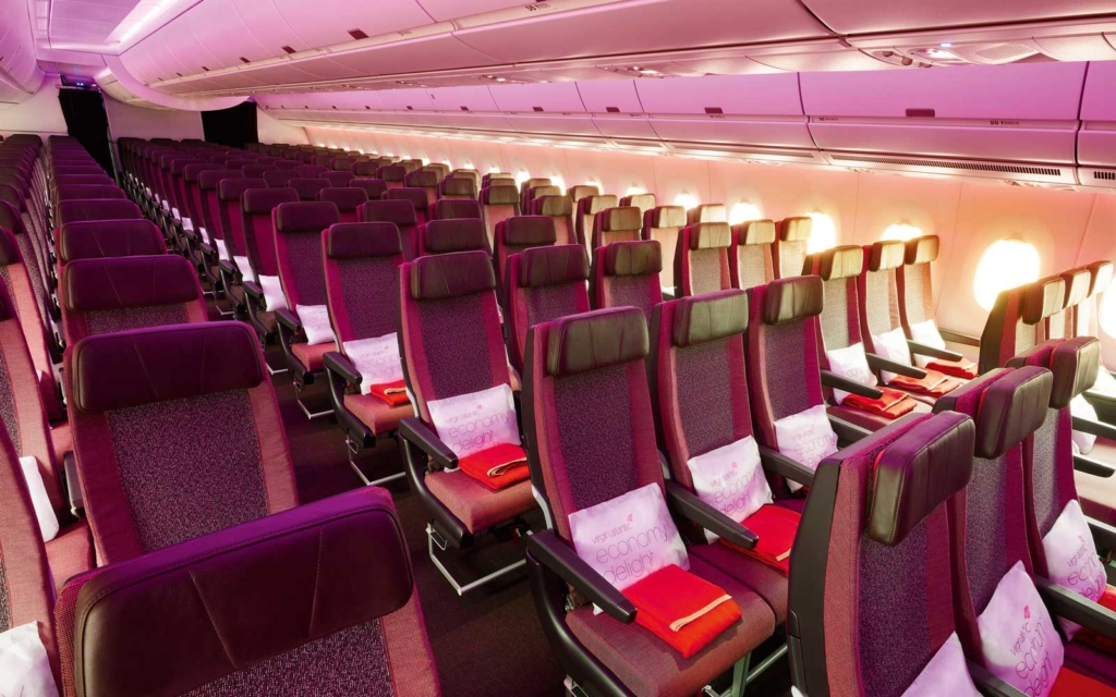 Interior de la cabina de un avión de Virgin Atlantic