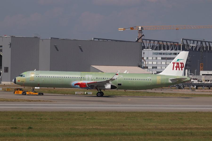 Nuevo Airbus A321neo de TAP saliendo de fábrica en Hamburgo