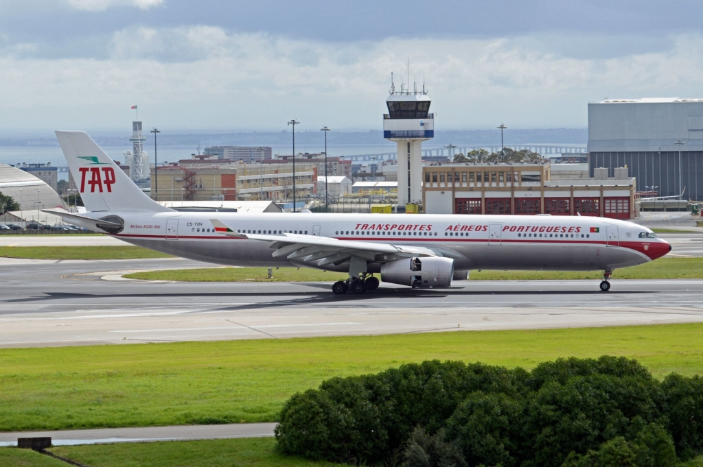 Airbus A330 de TAP decorado al estilo retro