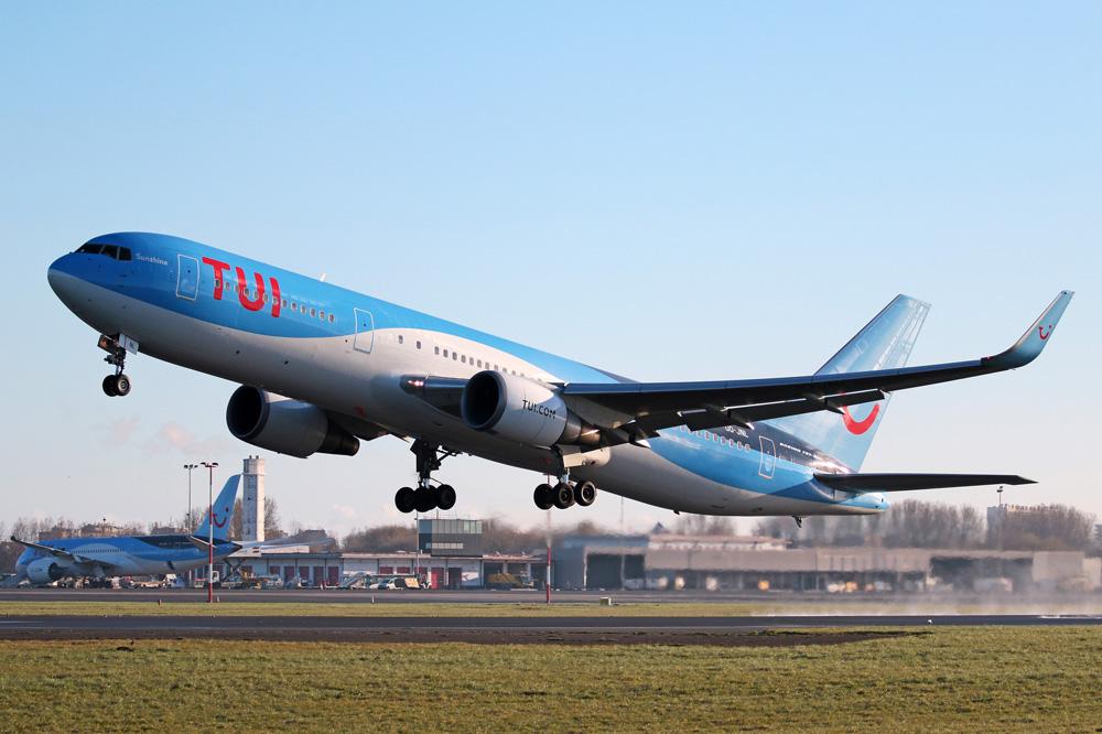 Avión de la compañía aérea TUI