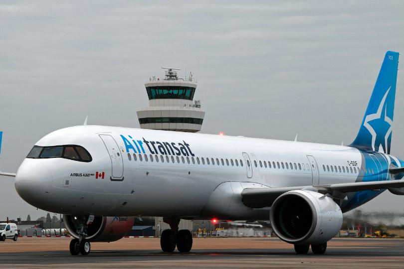 Noticias de aerolíneas. Avión de Air Transat