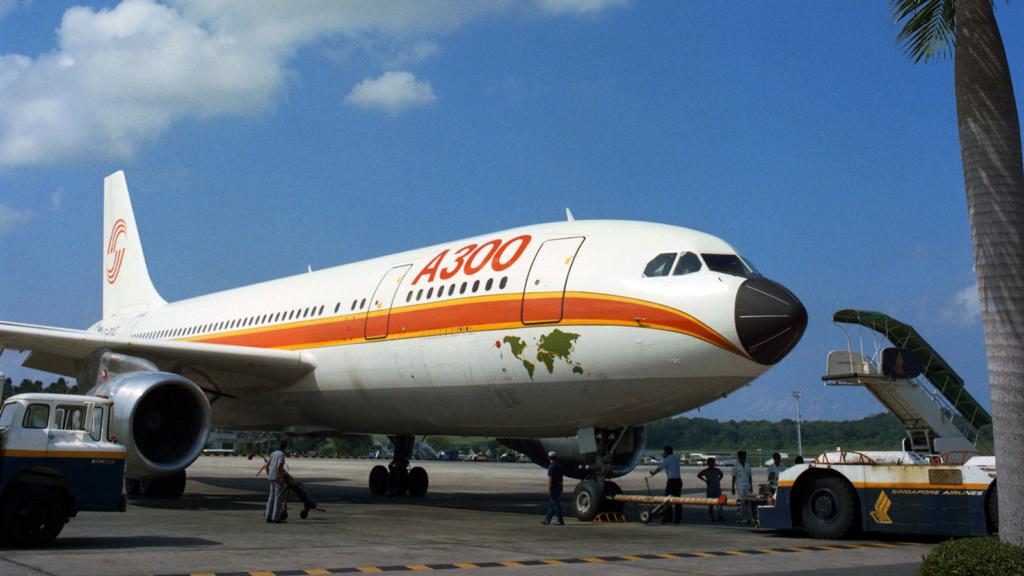 Noticias de aerolíneas. Noticias de aviones. Primer Airbus A300