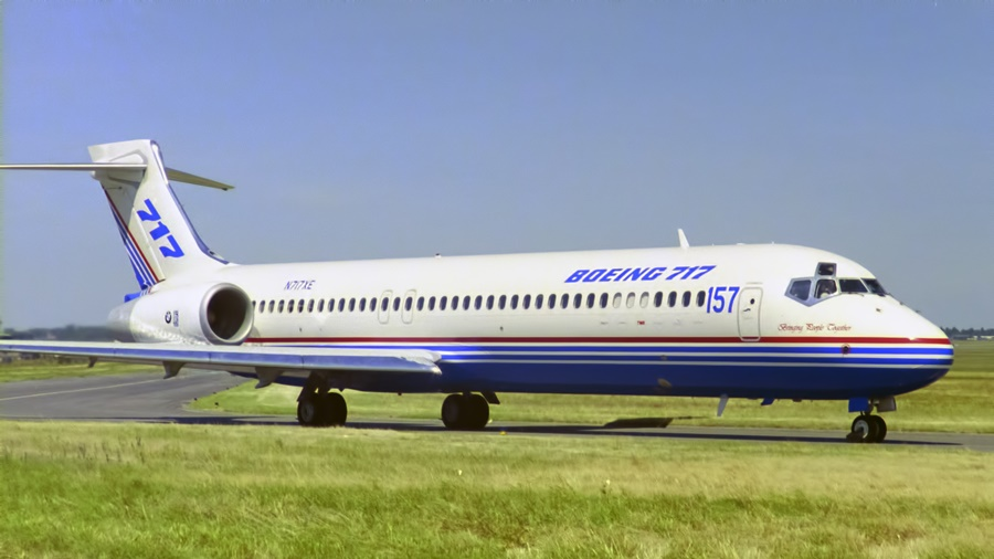 Primer Boeing 717