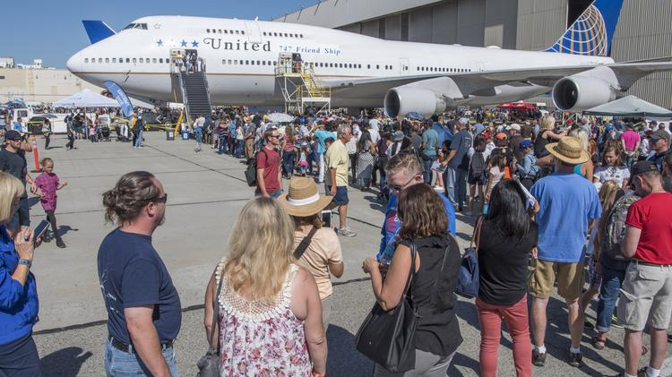 Despedida pública a Boeing 747 de United