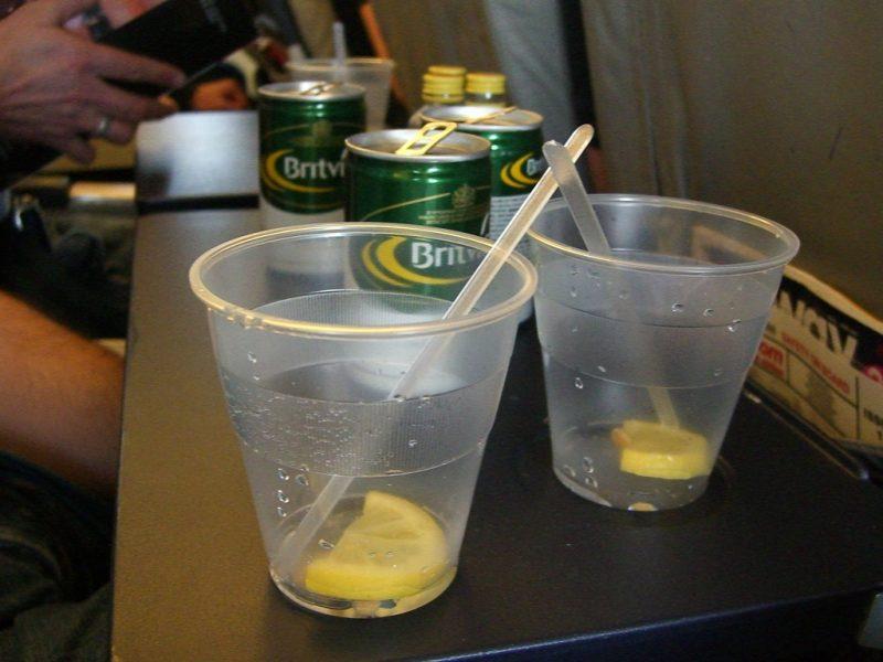 Bebidas alcohólicas dentro del avión
