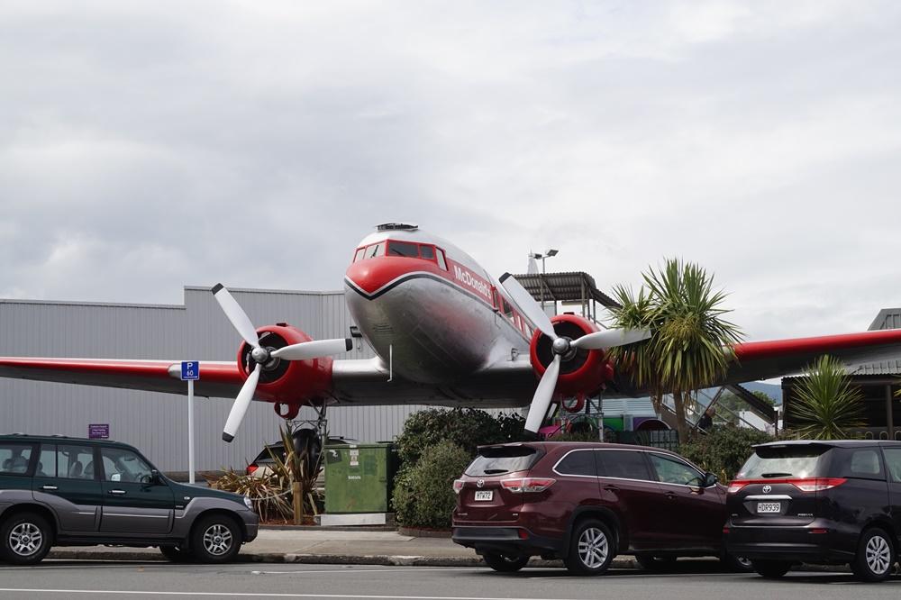 Douglas DC3 reconvertido en restaurante