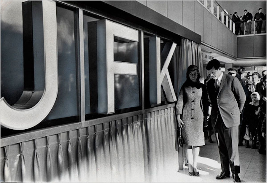 Noticias de aeropuertos. Inauguración del JFK en Nueva York.