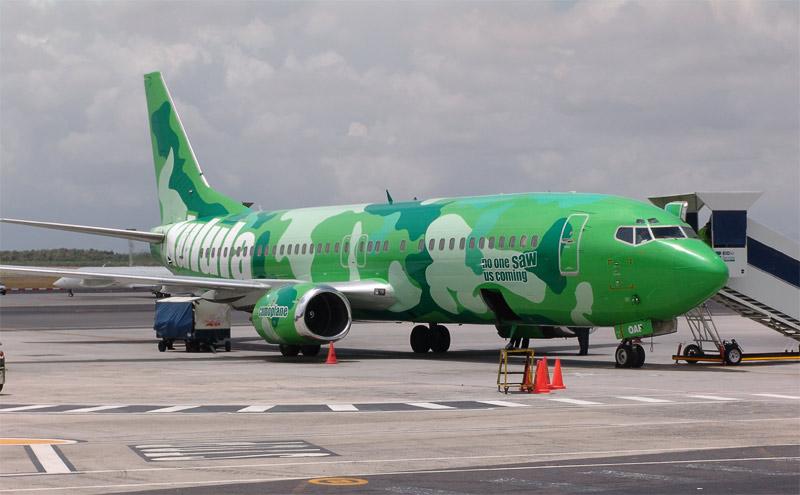 Boeing 737 de Kulula con pintura de camuflaje