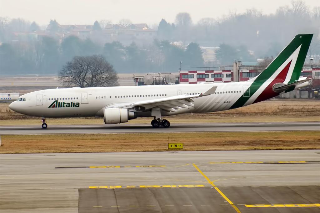 Noticias de aerolíneas. Noticias de aviones. Alitalia Airbus A330
