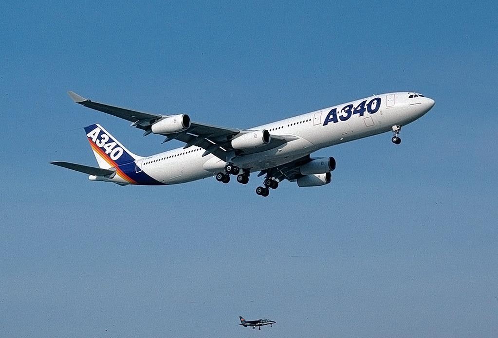 Noticias de aviones. Noticias de aerolíneas. Primer vuelo del Airbus A340-300