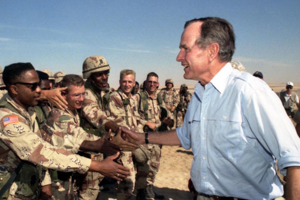 Noticias de aerolíneas. Presidente Bush en la guerra de Irak