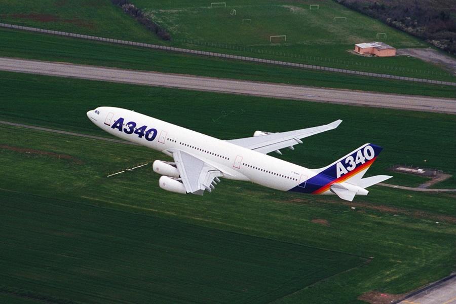 Noticias de aviones. Noticias de aerolíneas. Primer Airbus A340-300