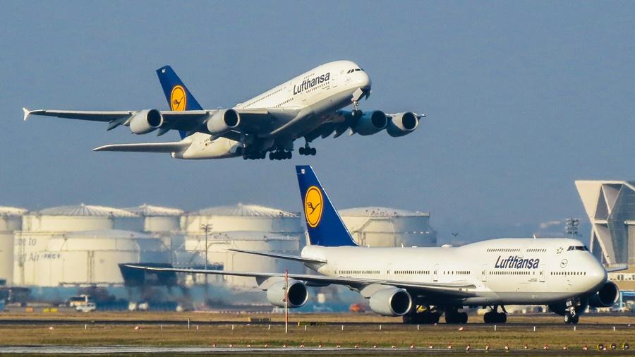 Noticias de aerolíneas. Noticias de aviones. Boeing 747 vs Airbus A380 de la aerolínea Lufthansa