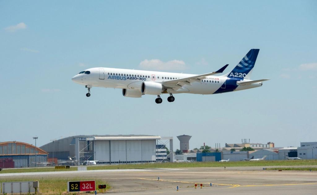Noticias de aerolíneas. Noticias de aviones. Airbus A220