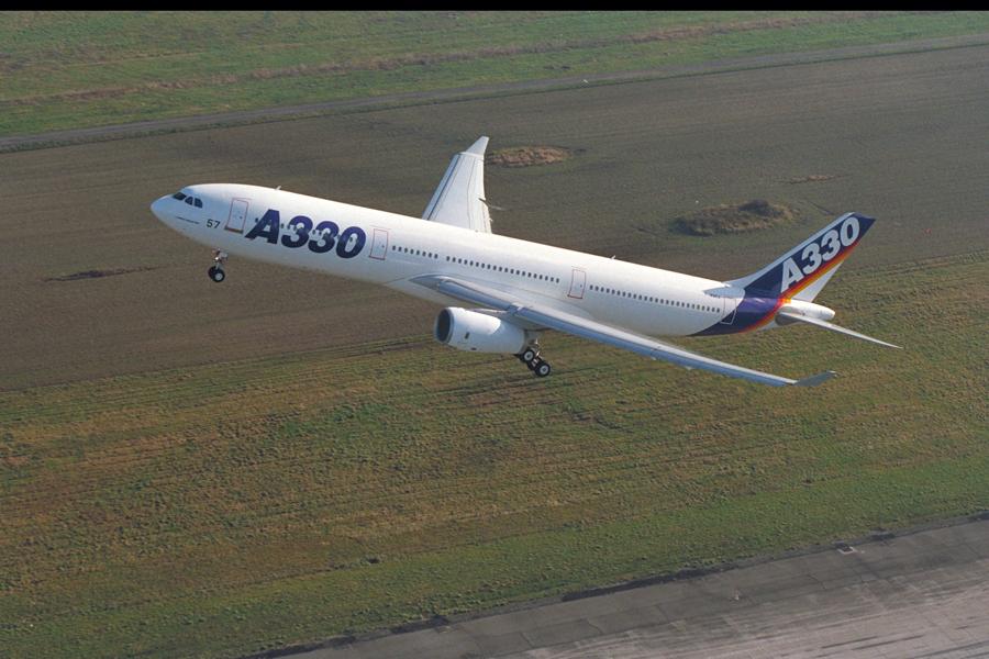 Noticias de aviones. Noticias de aerolíneas. Primer Airbus A330