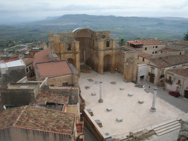 Noticias de turismo. Vista de Salemi, en Sicilia