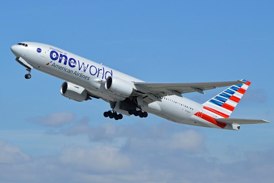 Noticias de aerolíneas. Noticias de aeropuertos. Boeing 777 de American Airlines