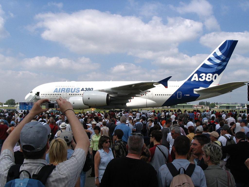 Noticias de aviones. Noticias de aerolíneas. Primer vuelo del Airbus A380