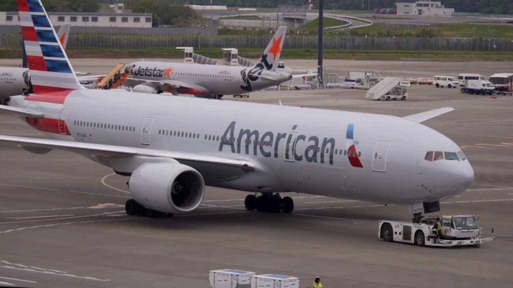 Noticias de aerolíneas. Noticias de turismo. Boeing 777 de American Airlines