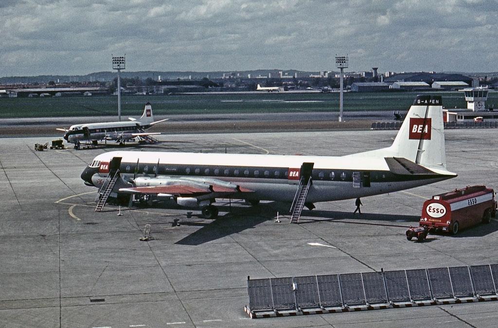Noticias de aerolíneas. Noticias de aviones. Avión de la aerolínea inglesa BEA modelo Vickers