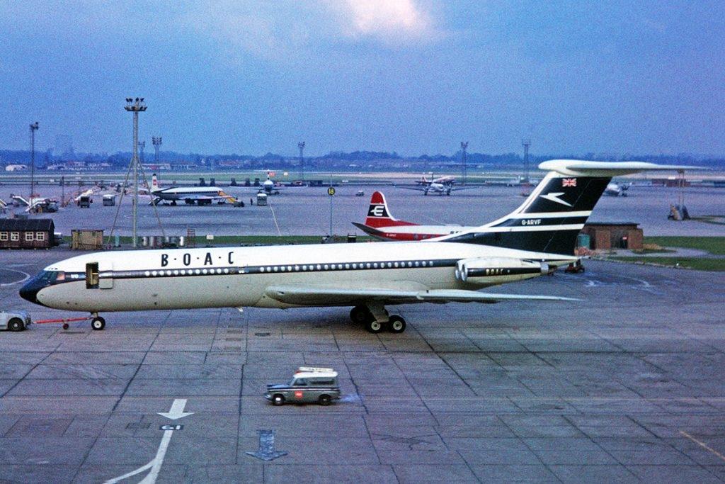 Noticias de aerolíneas. Noticias de aviones. Vickers VC10 de la aerolínea inglesa BOAC