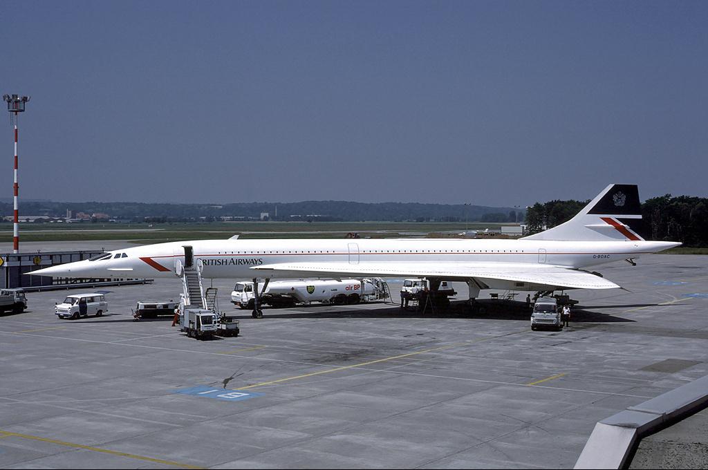 Noticias de aerolíneas. Noticias de aviones. Primer Concorde de British Airways