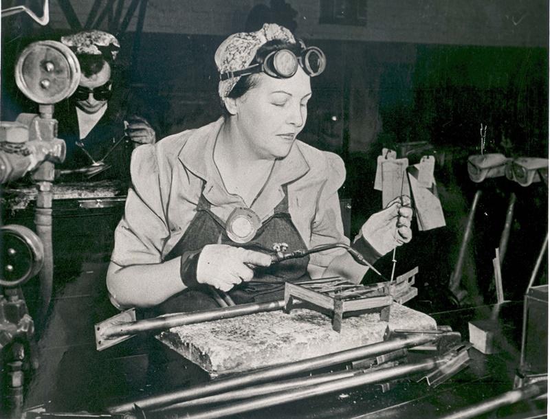 Noticias de aerolíneas. Noticias de aviones. Mujeres trabajando en la factoría de Boeing durante la II Guerra Mundial