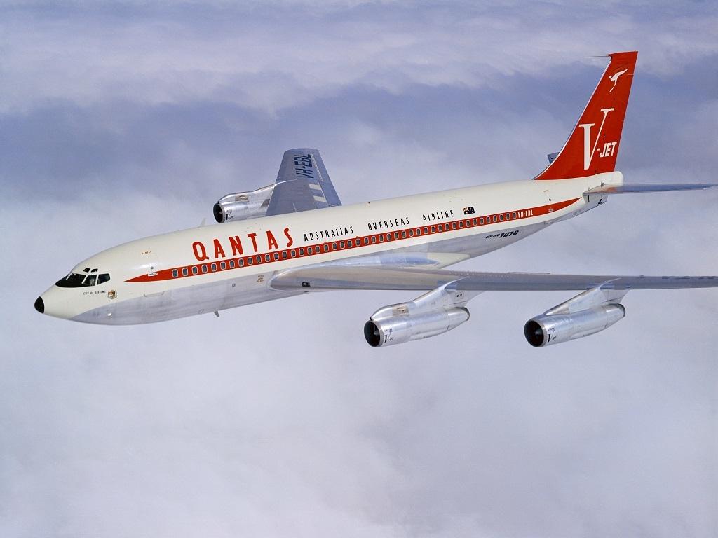 Noticias de aerolíneas. Noticias de aviones. Boeing 707 de Qantas