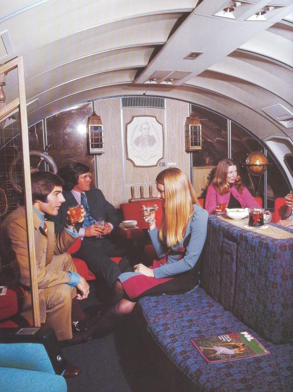 Noticias de aerolíneas. Noticias de aviones. Primera clase en Qantas años 70