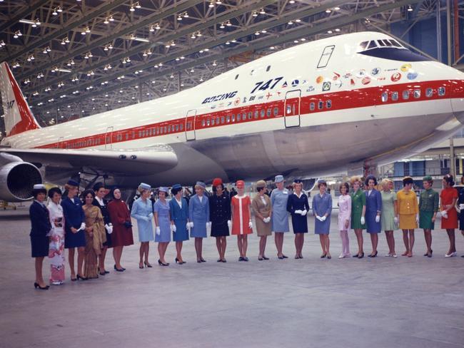 Noticias de aerolíneas. Noticias de aviones. Primer Boeing 747 de Qantas