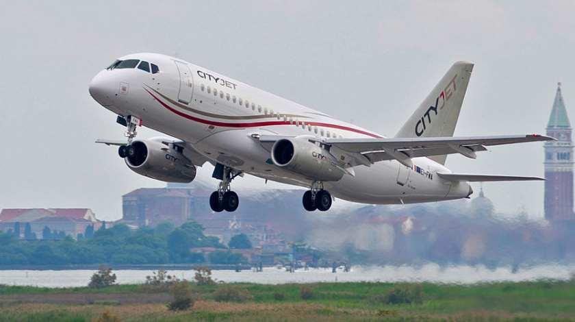 Noticias de aviones. Noticias de aerolíneas. Sukhoi Superjet 100 de la compañía irlandesa Cityjet