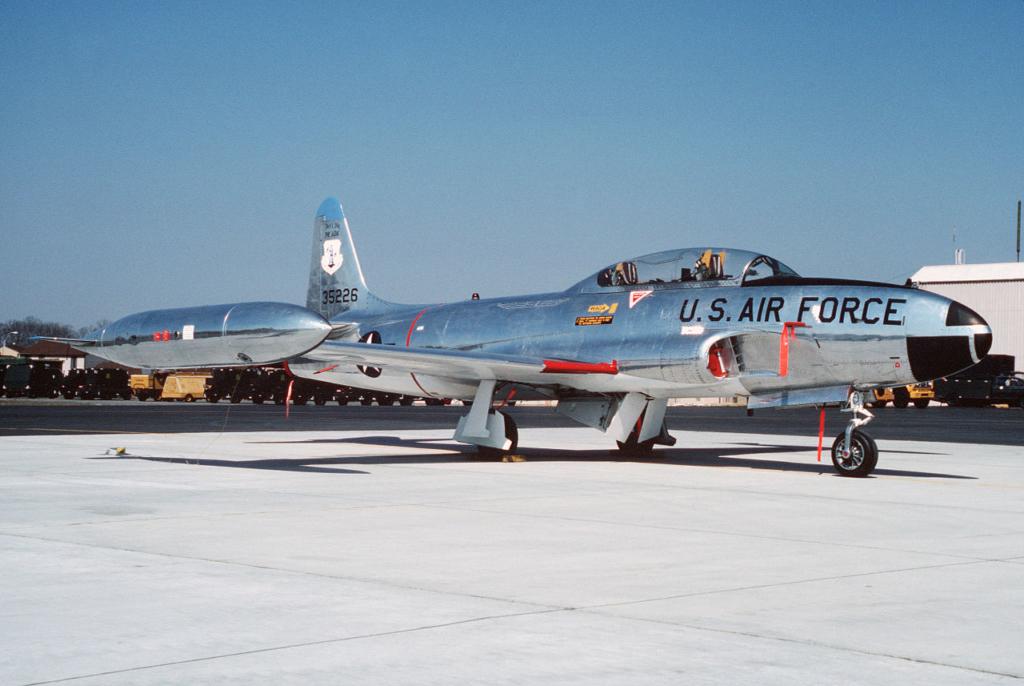 Noticias de aviones. Noticias de aerolíneas. Cazas T-33 de las USAF