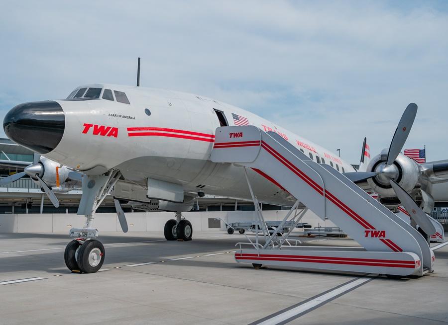Noticias de aerolíneas. Noticias de turismo. Lockheed Constellation de la compañía TWA