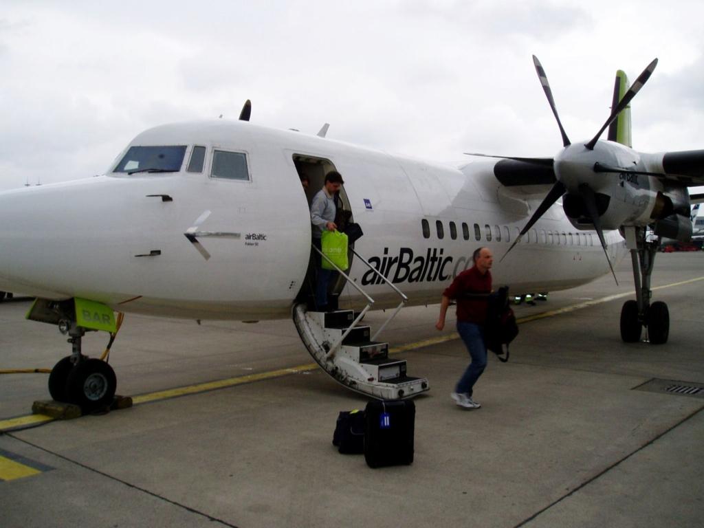 Noticias de aerolíneas. Noticias de compañías aéreas. Fokker 50 de Air Baltic