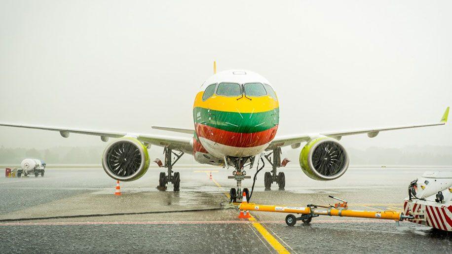 Noticias de aerolíneas. Noticias de compañías aéreas. Airbus A220 de Air Baltic en Lituania