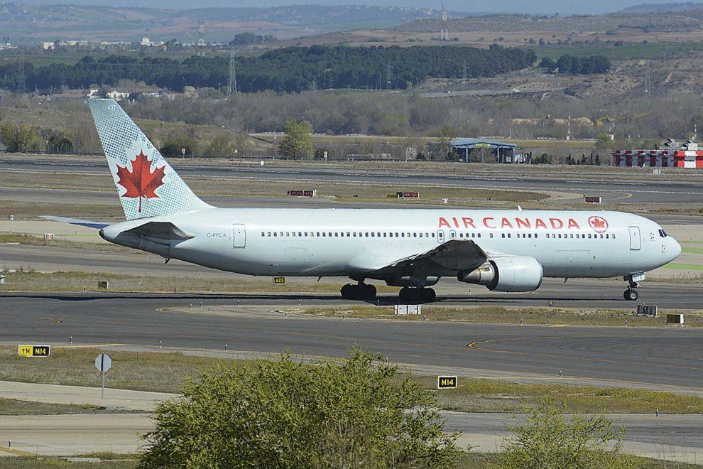 Noticias de aerolíneas. Noticias de compañías aéreas. Avión de Air Canada.