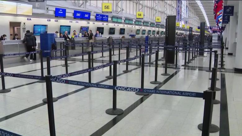 Noticias de aeropuertos. Noticias de turismo. Aeropuerto vacío en Chicago durante la pandemia