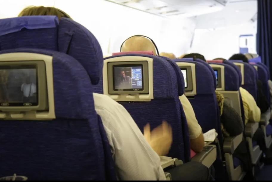 Noticias de aviones. Noticias de aviación. Primeras pantallas LCD en un avión comercial