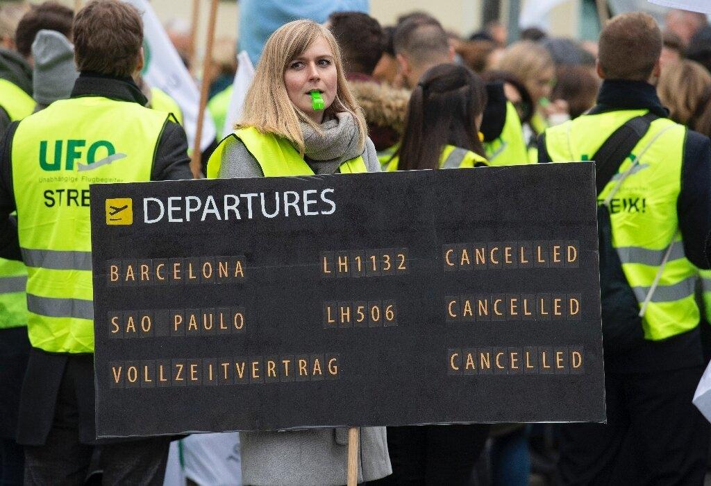 Noticias de aerolíneas. Noticias de compañías aéreas. Trabajadores de Lufthansa en una manifestación