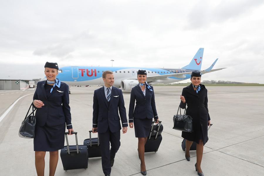 Noticias de aerolíneas. Noticias de compañías aéreas. Tripulación de cabina del grupo TUI