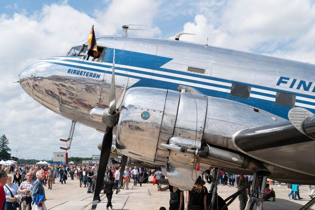 Noticias de aviones. Noticias de aerolíneas. Un DC-3 en la actualidad