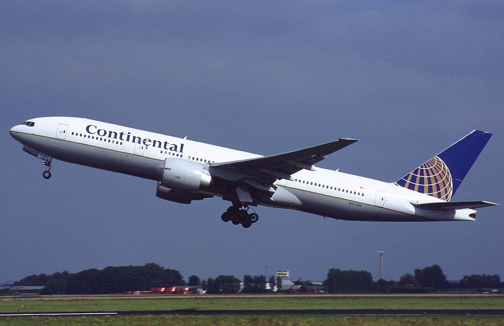 Noticias de aerolíneas. Noticias de compañías aéreas. Boeing 777 de Continental Airlines