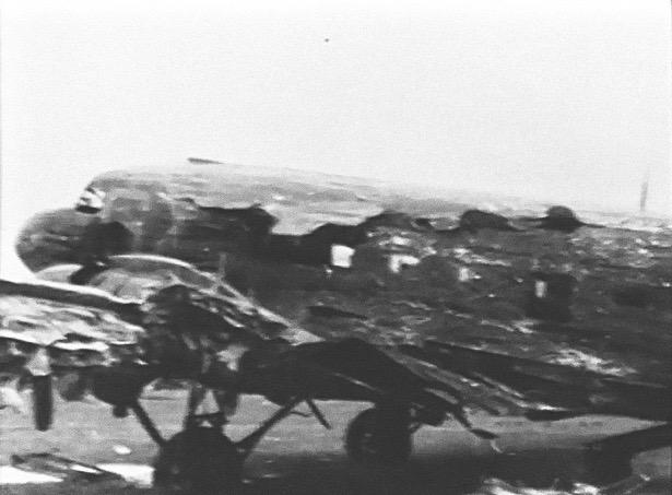 Noticias de aviación. Noticias de aviones. C-47 de Thomas Mantell destrozado en el día D