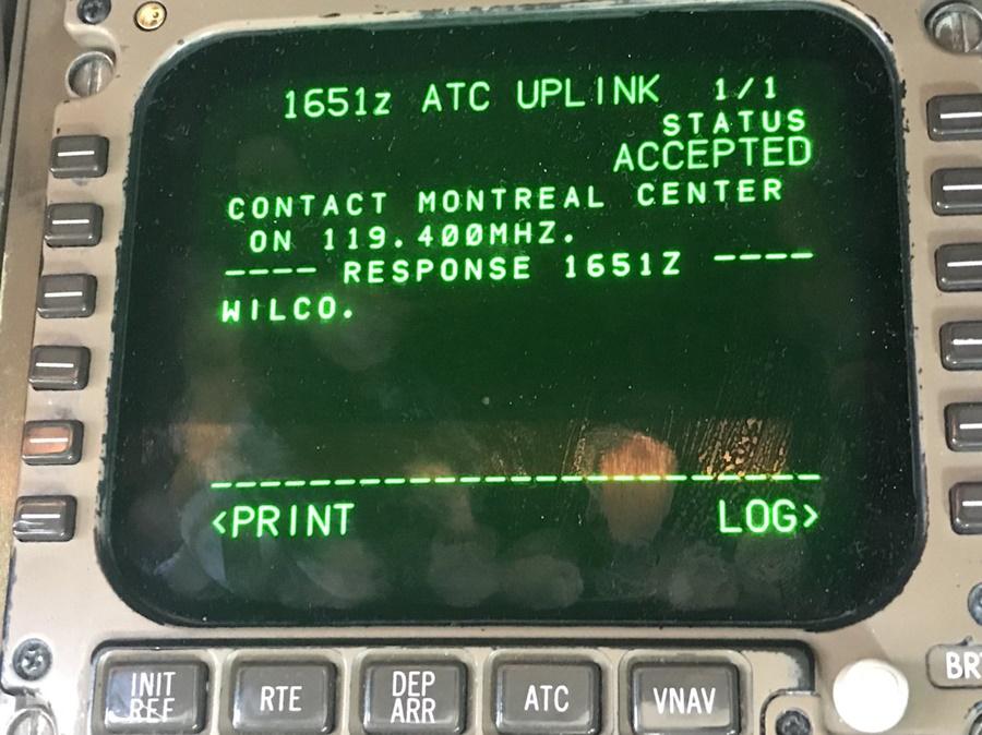 Noticias de aviones. Noticias de aviación. Sistema CPDLC en un avión.