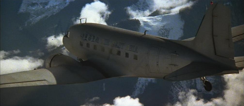 Noticias de aviación. Noticias de aviones. DC-3 que aparece en En Busca del Arca Perdida