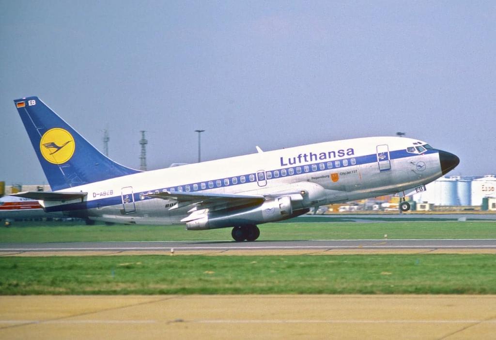 Noticias de aviones. Noticias de aviación. Primer Boeing 737-100 de Lufthansa