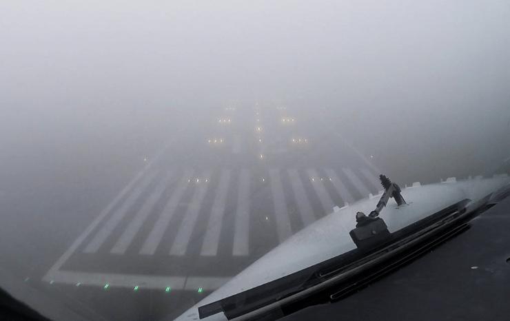 Noticias de aviación. Noticias de aviones. Aproximación con baja visibilidad