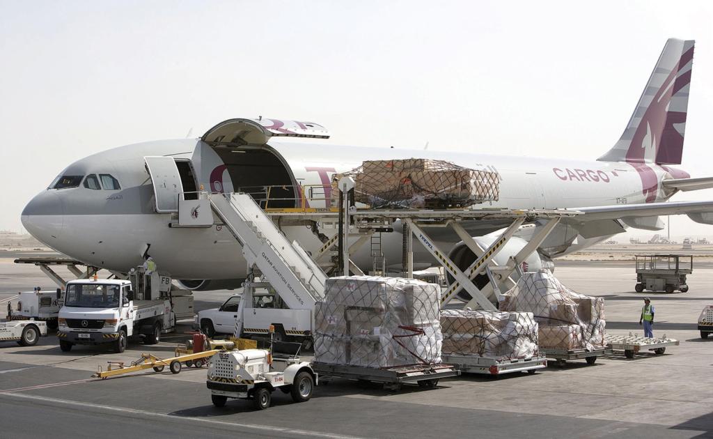 Noticias de aerolíneas. Noticias de compañías aéreas. Mini freighter de Qatar Airways